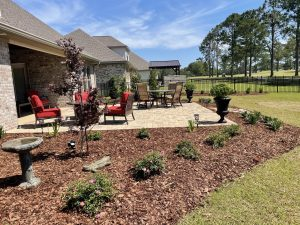 mulch bed with shrubs done by dc lawn and landscape in Fairhope, al